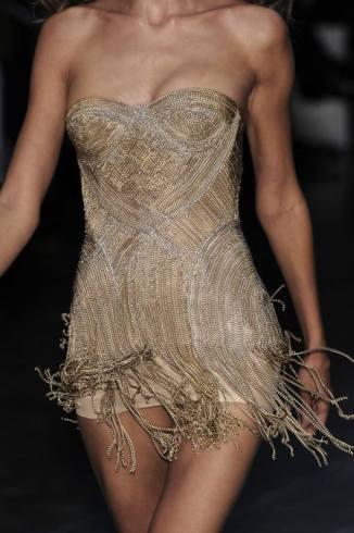 Dress moves